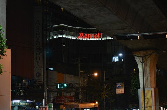 Marriott Executive Apartments Bangkok, Sukhumvit Thonglor : Hotel picture from Thonglor station