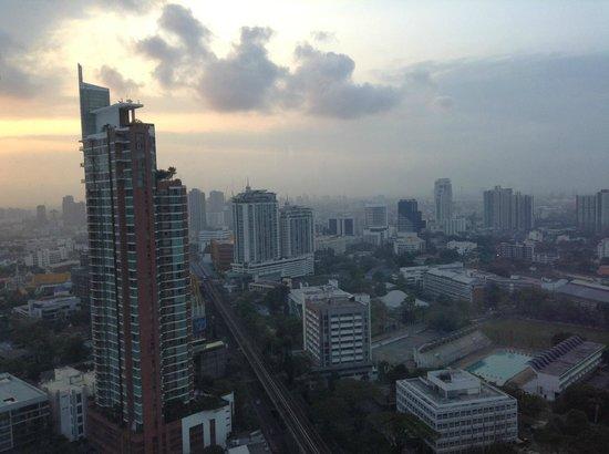 Marriott Executive Apartments Bangkok, Sukhumvit Thonglor : View over Bangkok from room