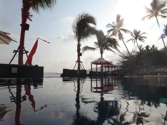 Beach Republic The Residences : poolside