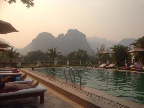 Riverside Boutique Resort: During the smoky season but still beautiful