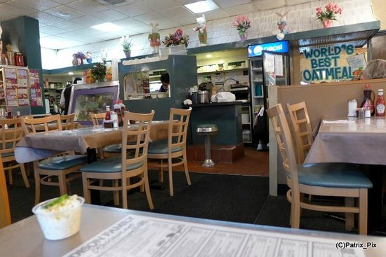 Interior picture of edison family restaurant