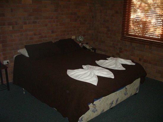 Jackie Howe Motel: master in 3 bedroom unit