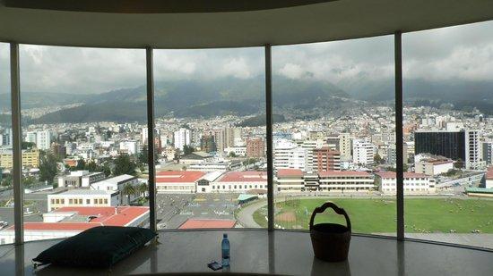 JW Marriott Hotel Quito: Vista desde el piso más alto de las suites