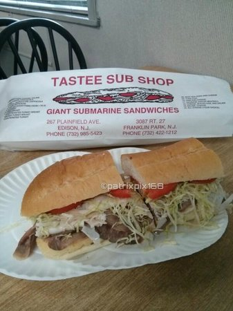 Tastee Sub Shop: turkey and roast beef