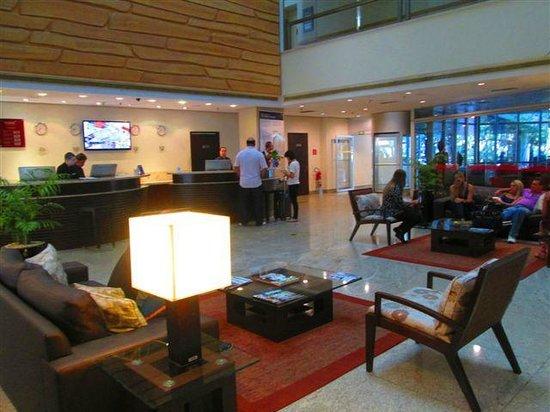 Prodigy Grand Hotel & Suites Berrini: Recepção
