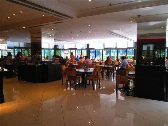 Prodigy Grand Hotel & Suites Berrini: Salão de Café da Manhã