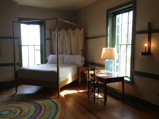Shaker Village of Pleasant Hill - The Inn : Hotel room