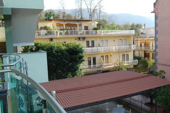 Comfort Hotel Gardenia Sorrento Coast: view from room on second floor