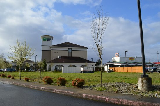 Holiday Inn Express & Suites Tacoma South - Lakewood: View from