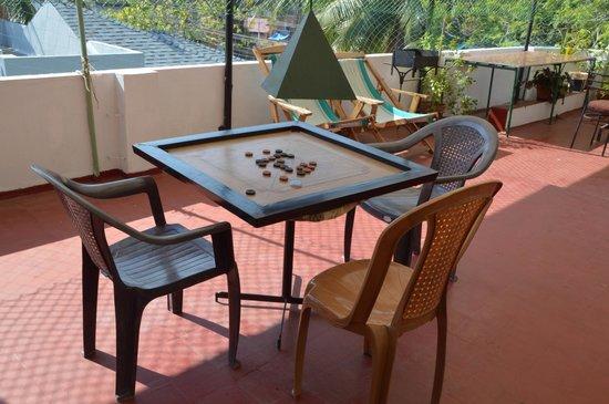 Noah's Ark Homestay : Terrace games