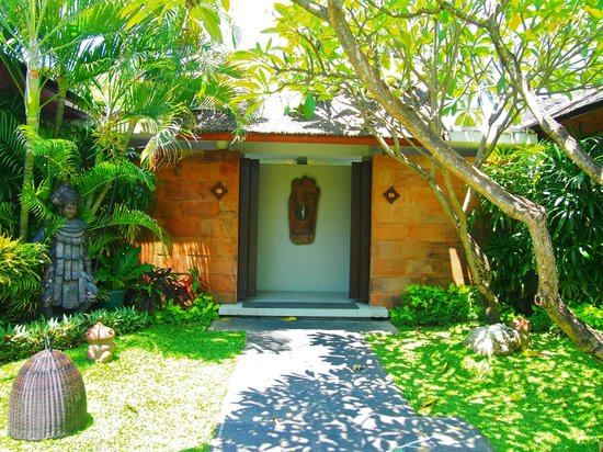 Bali Mandira Beach Resort & Spa: After walking through these doors..you may never want to leave!
