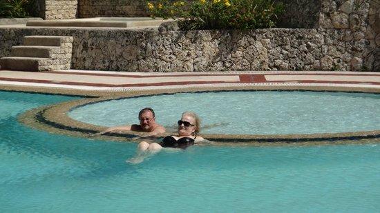 Waterfront Cebu City Hotel & Casino: Детский бассейн лягушатник