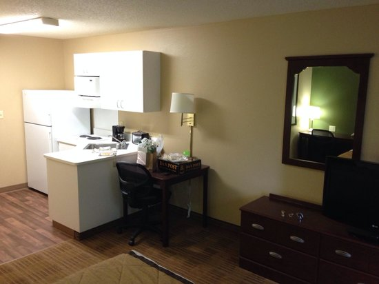 Extended Stay America - Austin - Downtown - 6th St.: Kitchen area 209