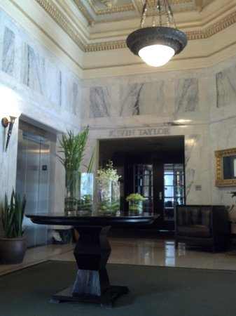 Hotel Teatro: Hotel Lobby