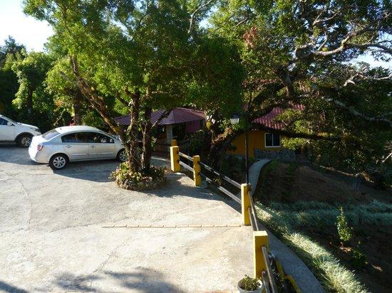Cabanas El Parador: Estacionamiento seguro
