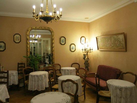 Hotel des Grandes Ecoles: breakfast area