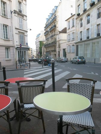 Hotel des Grandes Ecoles: from cafe nearby