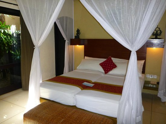 Impiana Private Villas Seminyak : bedroom 1 - all look the same