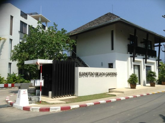 Bangtao Beach Gardens Apartments: Entrance and Office