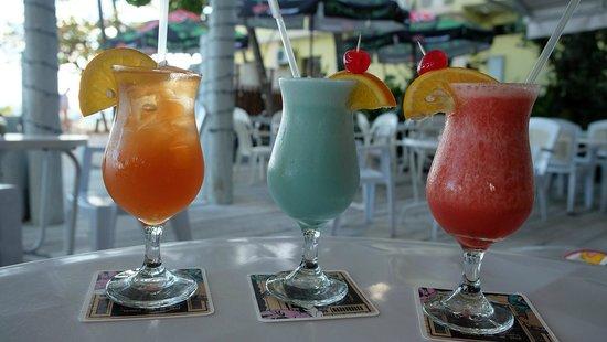 Carib Beach Bar : Cocktails