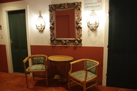 Hotel Regina: Коридор