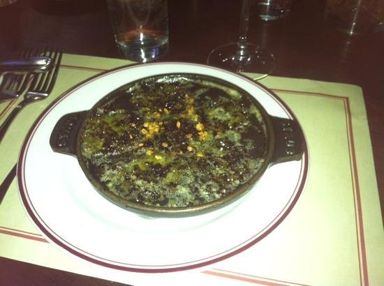 Gaslight Brasserie: escargot at Gaslight, Boston - butter, garlic, parsley and hot tender morsels - great with the f