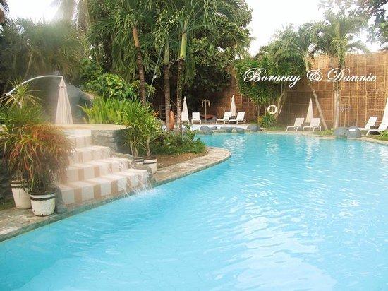Paradise Garden Resort Hotel & Convention Center Boracay: pool