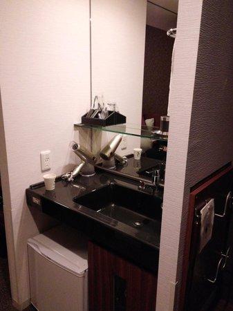 Dormy inn Premium Wakayama: 面盆