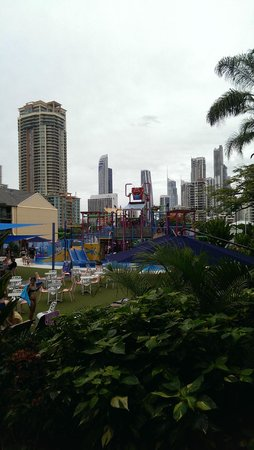 Paradise Resort Gold Coast: Water park with buildings behind