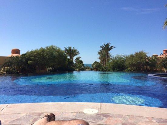 Bella Sirena: Pool and ocean view