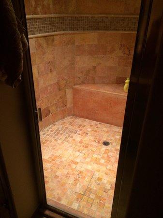 Bella Sirena: Bathroom #2