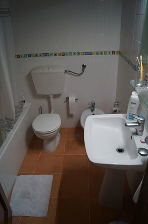 Hotel Apartamentos Mirachoro II: bathroom