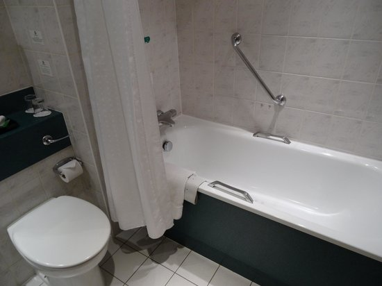 Leonardo Hotel London Heathrow Airport: Ванная