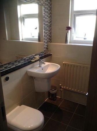 Hallmark Hotel Hull: bathroom