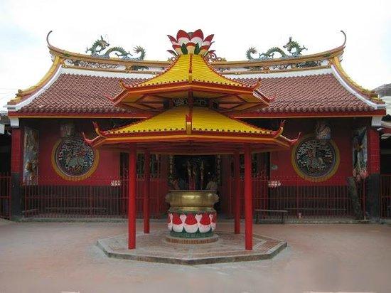 Chinatown (Glodok): Tempat dupa depan Klenteng