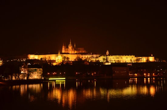 Personal Prague Guide - Private Tours : Prague Castle at night!!!!