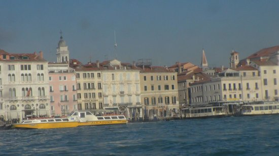 Hotel Wildner: The hotel from Canal Grande