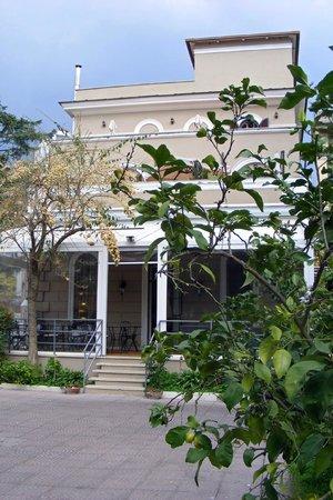 Villa Pirandello: так выглядит вилла
