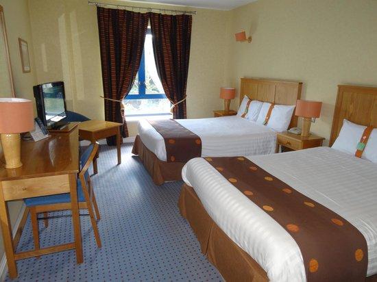 Holiday Inn Killarney: Номер с двумя кроватями