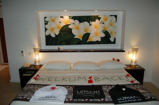 Lomani Island Resort: Welcome Back written in leaves on our bed