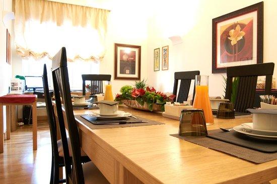 Domus Cavour: sala colazioni