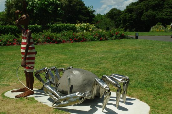 Auckland Botanic Gardens: Akl Botanical Gardens Sculpture Fest 2014