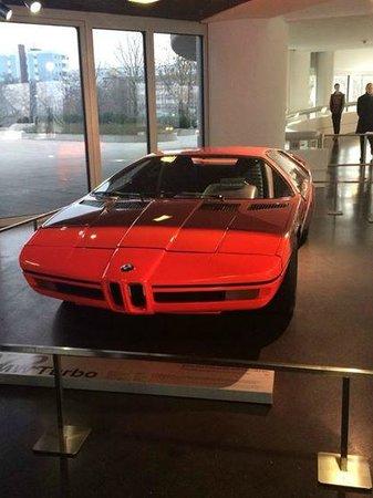 BMW Welt: cool