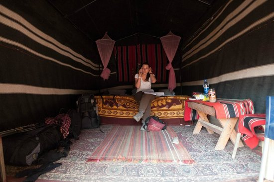 Captain's Desert Camp: Our cosy cabin