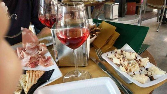 Bar Molinari : Lambrusco e stuzzichini