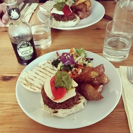 The Warehouse Cafe: Vegan Italian burger