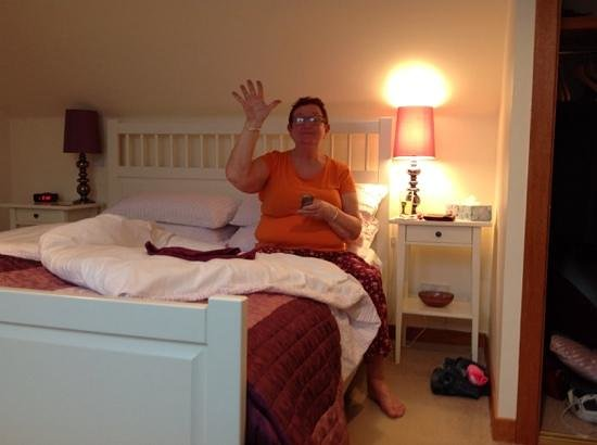 Kilfinan View Bed & Breakfast: lovely bedroom