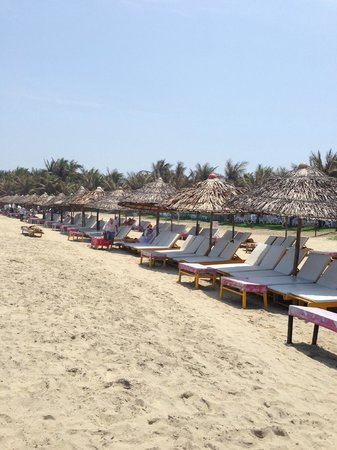Cua Dai beach in March not too crowded