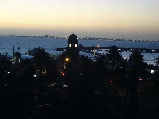 Novotel Melbourne St Kilda : evening view