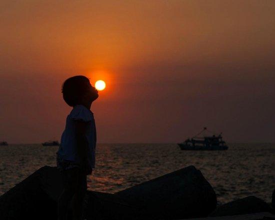 Phu Quoc Island Explorer - Day Tours : Enjoy sunset